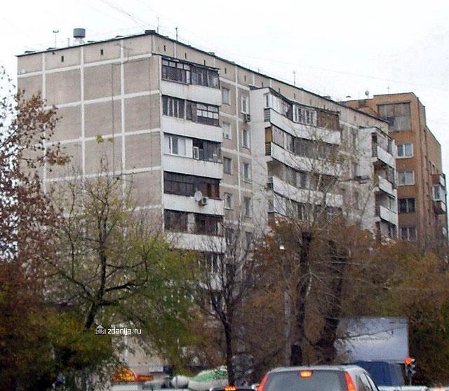 Остекление балконов в девятиэтажке 1980 года.